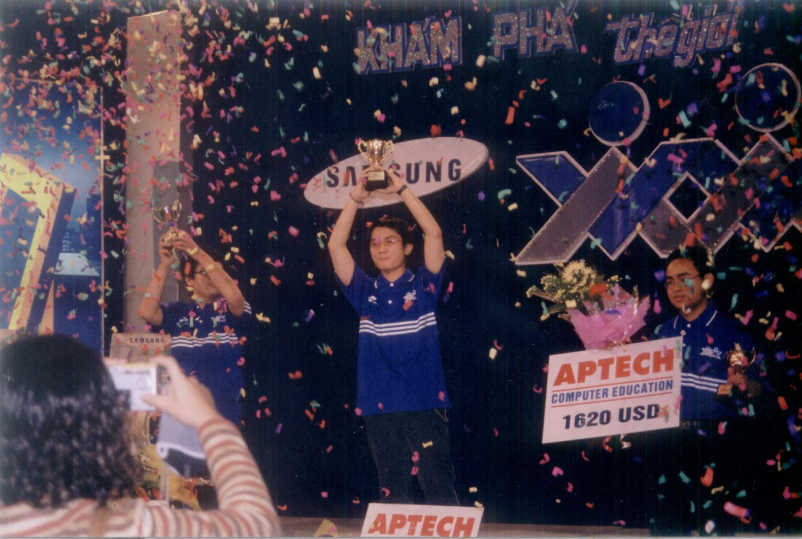 Chung kết cuộc thi Khám phá thế giới computer 2003